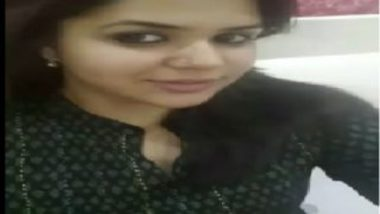 Indian bhabhi pussy sex on dining table in hotel