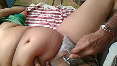 Caring Desi man shaves sweet XXX vagina belonging to his chubby wife