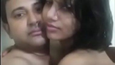 Sexy pakistani girl getting chut fuck mms