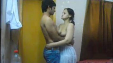 Desi punjabi wife hot sex with cousin secretly