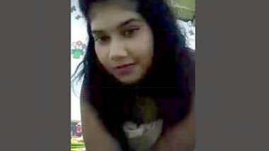 Milk Tanker Horny SriLankan Girl Fingering Part 2
