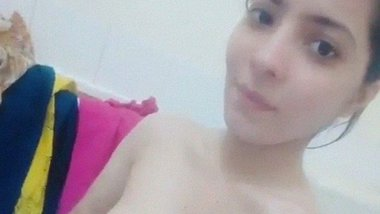 Kashmiri choot show of full nude teenage girl