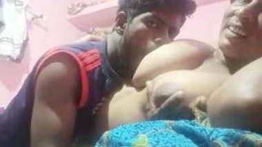 Dewar Bhabhi Romance and Boob Sucking 2 clips part 1