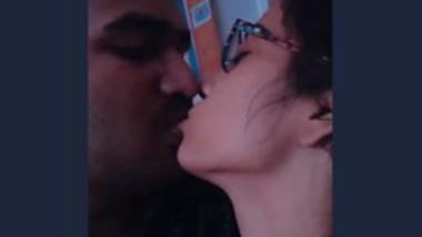Desi lover kiss
