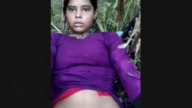 Desi Village Girl Pussy Captured By Lover In Outdoor
