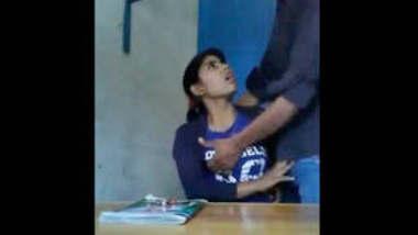 Desi girl boob pressed & fingured by tution teacher