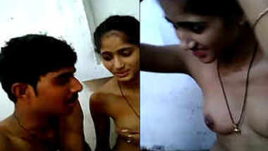 Indian allows mustachioed XXX cameraman to film a sex video about her