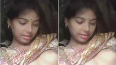 Whorish Desi mom exposes small breasts and smooth cunt in close-up