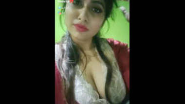 Tango bengali bhabhi Sweety showing her boobs