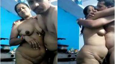 Indian female gets off on XXX lover kissing her so passionately