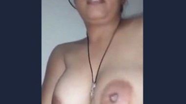 Booby lady records her video