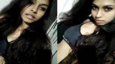 Indian model in black outfit shows off her XXX titties on phone camera