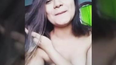 Desi cute girl showing her big boobs