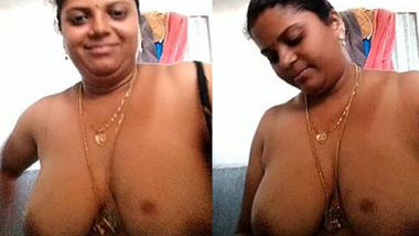 Married Desi lady can't have sex but she can show big XXX melons