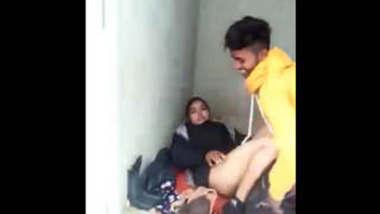Desi lovers caught fucking on roof top hindi audio