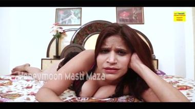 Tamil Tamil Bhabhi on Cam Showing Boobs