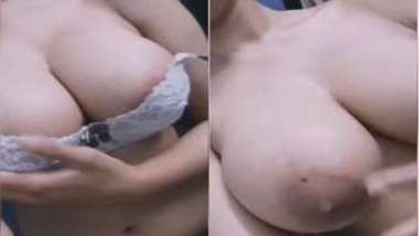 Babe performs a XXX show for a fan from India asking her for naked boobs