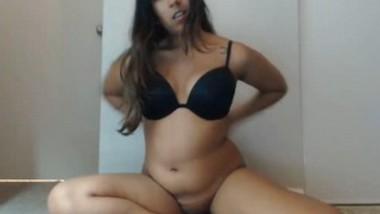 Hot Punjabbi NRi Girl Showing Nude Body On Cam Show