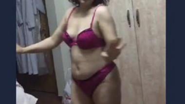 Desi hot aunty-2
