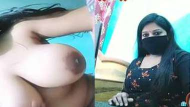 Unstoppable sex whore from India puts big natural knockers in camera