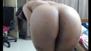 Horny Big Ass Aunty Teasing Lusty Boys With Nude Body