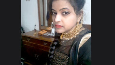 Desi sexy girl make selfe