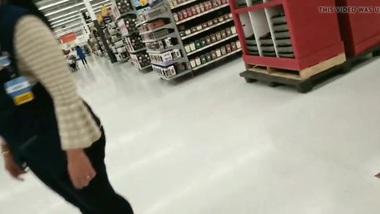 Huge butt Tamil Walmart employee