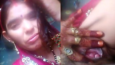 Rajasthani Dehati wife showing her pink pussy hole